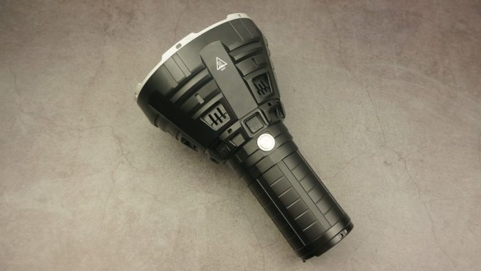 Đèn pin siêu sáng Imalent R90C